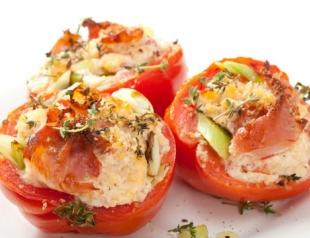 Летняя закуска: помидоры, фаршированные фетой
