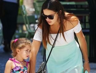 Адриана Лима показала дочерей