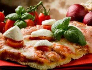 """Пицца """"Маргарита"""": как приготовить дома"""