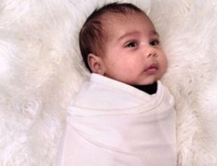 Ким Кардашьян и Канье Уэст показали второе фото дочери