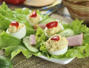 Фаршированные яйца: топ 7 вариантов начинки