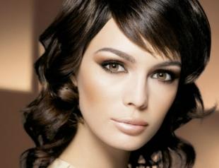 Как сделать вечерний макияж для брюнетки