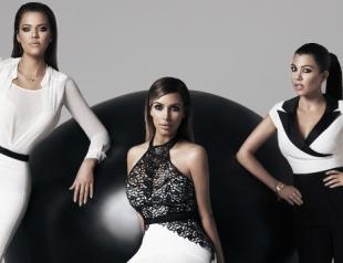 Сестры Кардашьян выпустили коллекцию одежды сезона весна-лето 2014