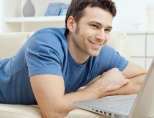 О чем свидетельствует поведение мужчин в соцсетях и на сайтах знакомств