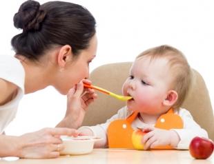 Сок для детей: полезные советы маме грудничка