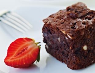 Какие десерты на новый год приготовить: шоколадный брауни