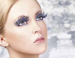 Все буде добре: как скорректировать форму глаза с помощью накладных ресниц