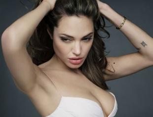 Зачем Анджелина Джоли снова легла под нож