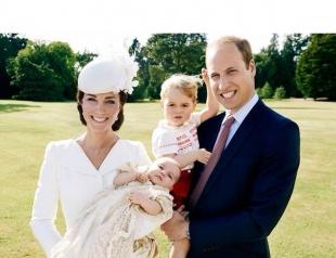 Появились официальные фото с крестин принцессы Шарлотты