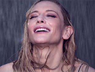 Кейт Бланшетт мокнет под дождем в рекламе нового аромата Si от Giorgio Armani