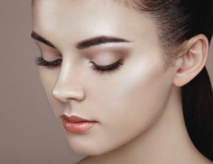 Что такое хроминг и как его использовать в ежедневном макияже. Фото. Видео
