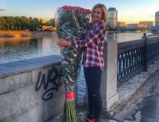 Ольга Бузова похвасталась в Инстаграм роскошным букетом роз от мужа