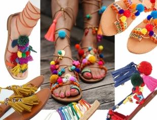 Что взять с собой в отпуск: модные сандалии в стиле бохо-шик