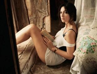 51-летняя Моника Беллуччи показала неувядающую красоту в стильной фотосессии