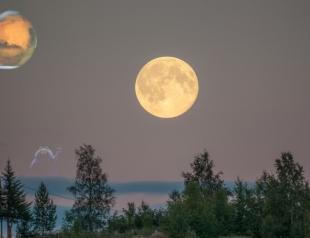 27 августа будет видно две луны: вся правда про уникальное событие