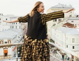 Певица Глюкоза показала, как выглядит Ксения Собчак на последнем месяце беременности (ВИДЕО)