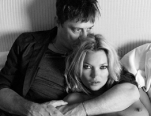 Первая брачная ночь Кейт Мосс: вино и сигареты в постели. ФОТО