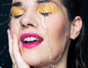 Почему после демакияжа кожа сухая и стянутая: рассказываем про правильное очищение кожи лица