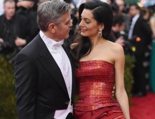 Поближе к морю и cолнцу: Джордж и Амаль Клуни перевезли детей в Италию