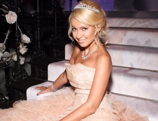 Бал дебютанток Tatler: Яна Рудковская покорила шикарным платьем с пышной юбкой (ФОТО)