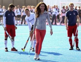 Кейт Миддлтон в положении вышла на теннисный корт (ФОТО)
