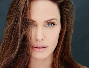 Инсайдер: Анджелина Джоли готовится к свадьбе в Камбодже