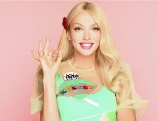 С поп-корном и в ярких нарядах: Оля Полякова показала, как позировала с дочками в стильной фотосессии (ВИДЕО)