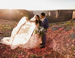 """Свадьба над каньоном: она сказала """"да"""" на высоте 122 метра"""