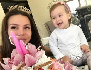 Как Оксана Самойлова с дочкой отметили дни рождения: ФОТО