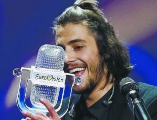 После долгой паузы победитель Евровидения-2017 Сальвадор Собрал вернулся на сцену Евровидения (ВИДЕО)
