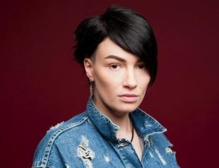 """Forever alone"": Анастасия Приходько намекнула на развод с мужем"