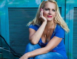 СМИ: актриса Мария Порошина станет мамой в пятый раз