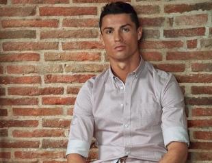 Криштиану Роналду снялся в откровенной фотосессии ради рекламы нижнего белья (ФОТО)