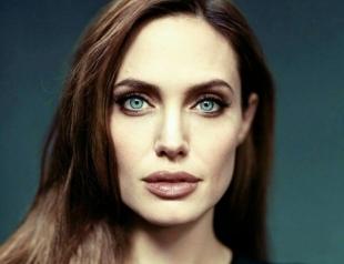 Анджелину Джоли в ретро-образе запечатлели на съемках нового фильма (ФОТО)