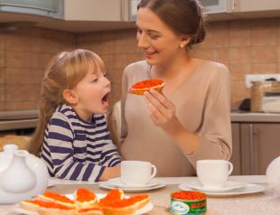 Вы беременны? Кушайте красную икру!