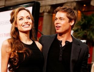 Анджелина Джоли намеренно поссорила Брэда Питта с сыном, раскрыв тайну его усыновления