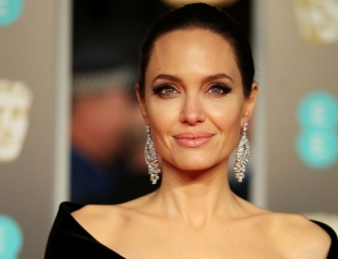 Анджелина Джоли променяет кино на политику?