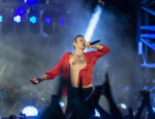"""#ОЛЯШУКАЄСТАСА: киевлянка ищет парня, с которым познакомилась на концерте """"Океан Ельзи"""""""
