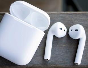 Apple в Киеве сняла новую рекламу наушников AirPods (ВИДЕО)