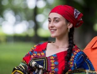 Гимн Украины под рэп от Алины Паш взорвал соцсети (ВИДЕО)