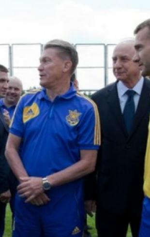 Президент Украины наградил орденами Шевченко и Блохина