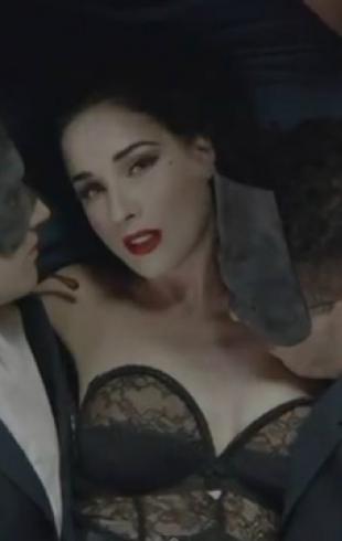 Дита фон Тиз дебютировала в качестве певицы. Видео