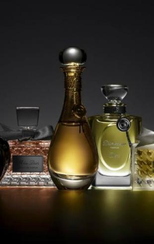 Дом Dior выпустил коллекцию Extraits Dior из пяти легендарных ароматов