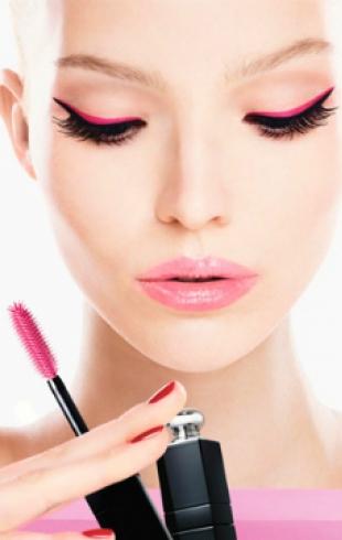 Первый взгляд на рекламную кампанию Dior Addict