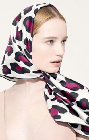 Шелковые платки – как носить?