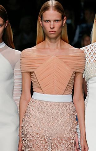Неделя моды в Париже: Balenciaga,, весна-лето 2015