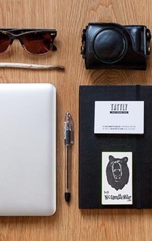 Как узнать о человеке по содержимому его сумки: фотопроект