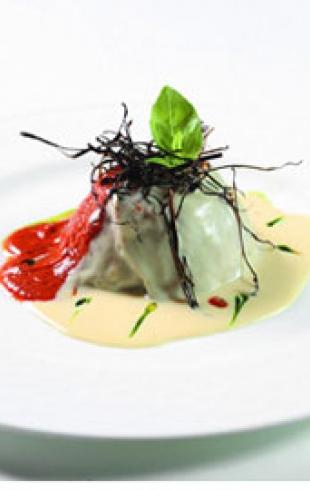 Рецепт от шеф-повара. Баклажаны с сырным соусом из пармезана и помидоров