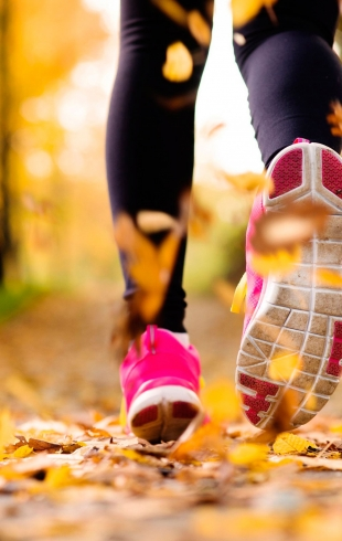 Как правильно бегать осенью и зимой, чтобы не заболеть