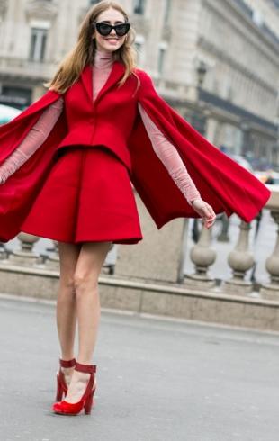 Street style: красное платье на Новый год 2016